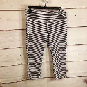 MPG striped crop leggings